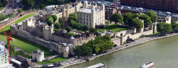 1024px-Aerial_Tower_of_London