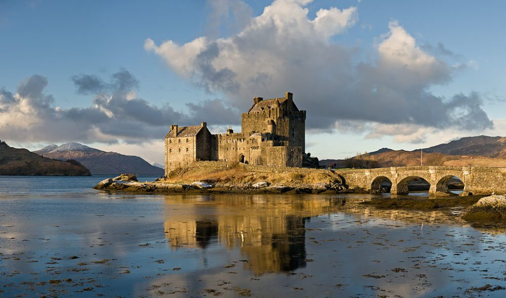 Eilean Donan Castle, Scotland (Bild: DAVID ILIFF. License CC-BY-SA 3.0, Wikimedia, CC)