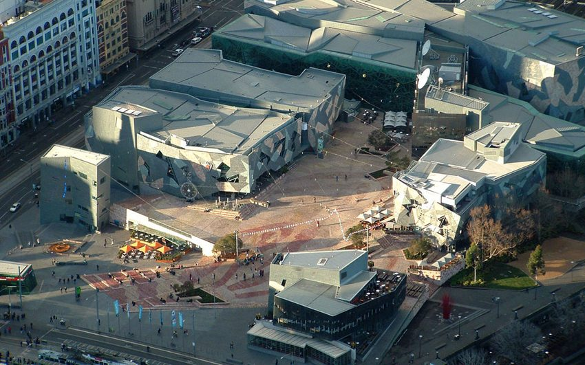 Federation Square  in Melbourne (Bild: AussieNickuss, WIkimedia)
