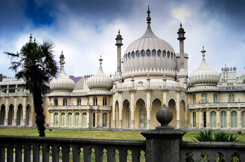 Indisches Flair – der Royal Pavillon in Brighton (Bild. Peter Greenhalgh, Wikimedia)