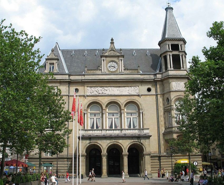 Cercle Municipal auf der Place d'Armes in Luxemburg Stadt (Bild: Johnny Chicago, Wikimedia, CC)
