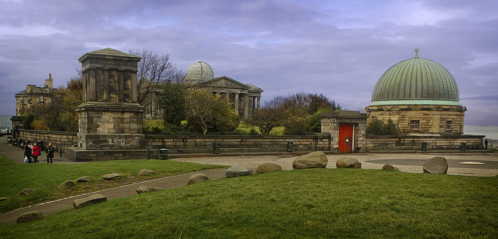 Calton Hill in Edinburgh (Bild: dun_deagh, Wikimedia, CC)