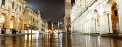 piazza-signori-lamio-ChiccoDodiFC-Fotolia_63023793_Subscription_XXL