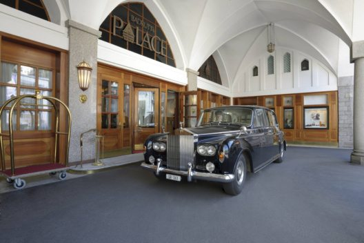 Rolls-Royce am Badrutts Palace Hotel.