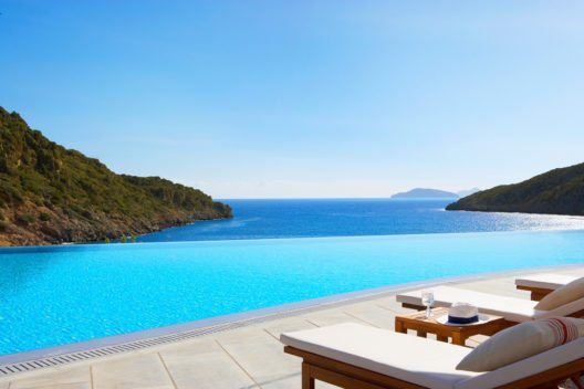 Babybrei Deluxe (Bild: © Daios Cove Luxury Resort & Villas)