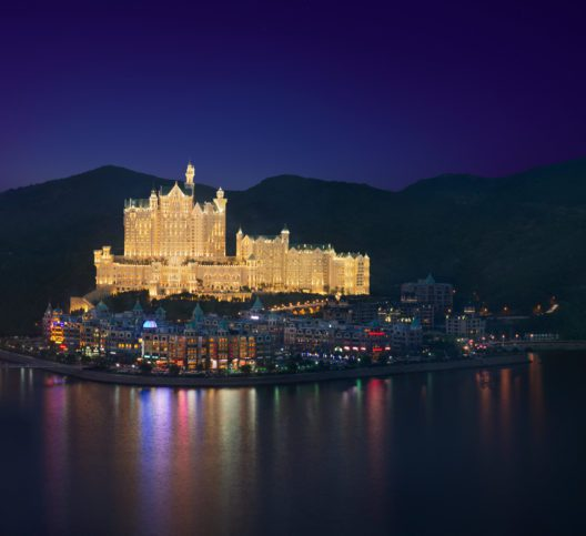 Neuschwanstein Hotel in China (© The Castle Hotel A Luxury Collection Hotel Dalian)